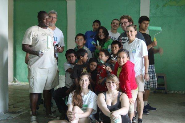 group volunteer abroad progrmas