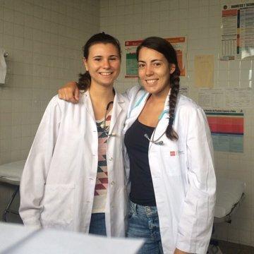 pre-med volunteer